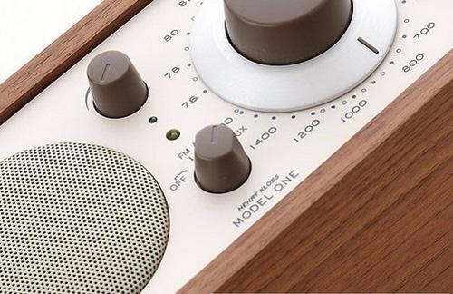 AM・FMのラジオが聞けます