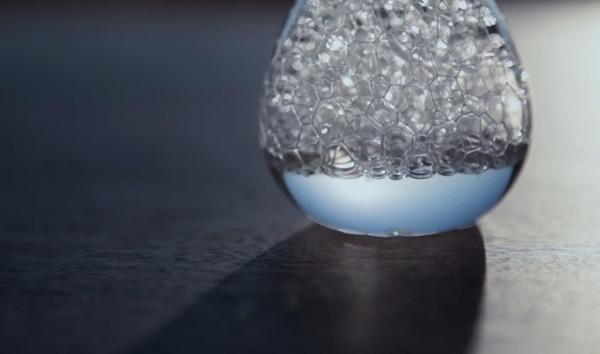砂時計の形をした泡を楽しむインテリア雑貨