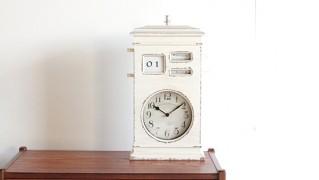 白いアナログアンティーク置時計