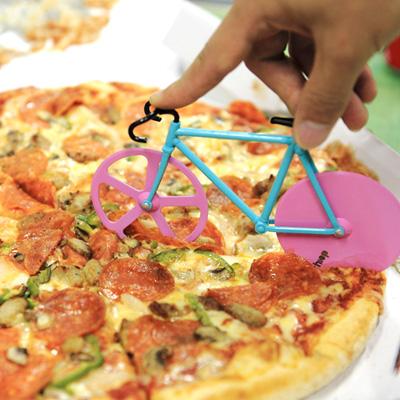 厚いピザも切れます
