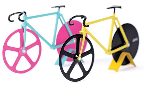 自転車ピザカッターの色はブルーとイエローの2色