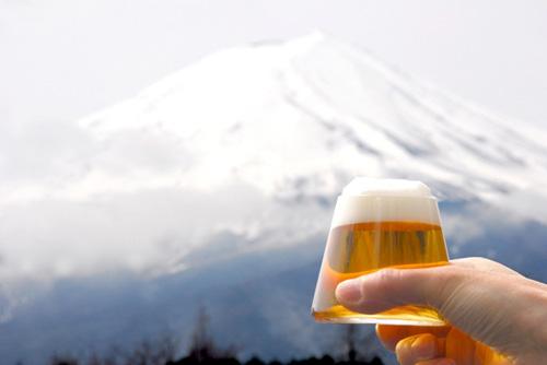 富士山グラスで乾杯