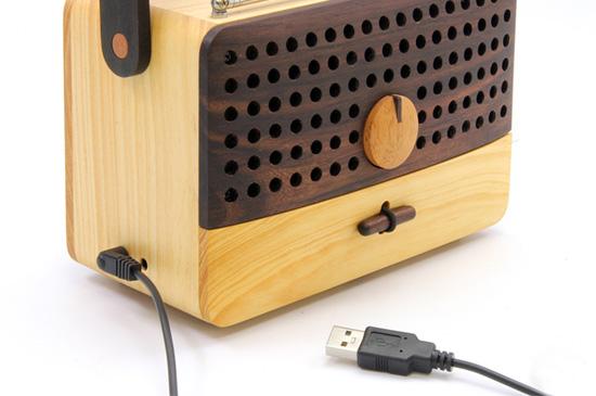 USBで充電できます。