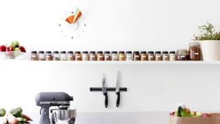 モダンアートな壁かけ時計「manifold-clock」