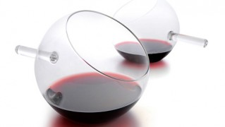 北欧ブランドのワイングラス「revolution-glass」