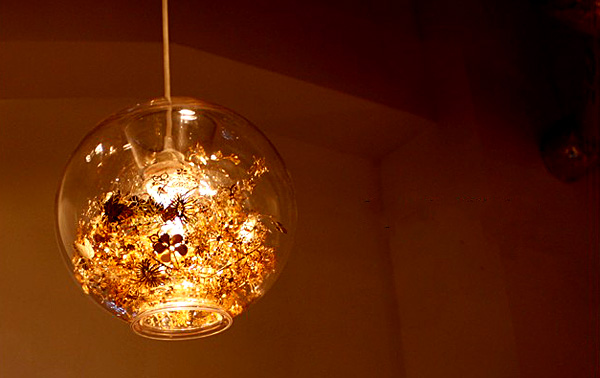 ガラスのシーリングライト「Tangle Globe」