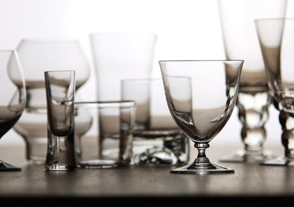 上品なラインのワイングラス