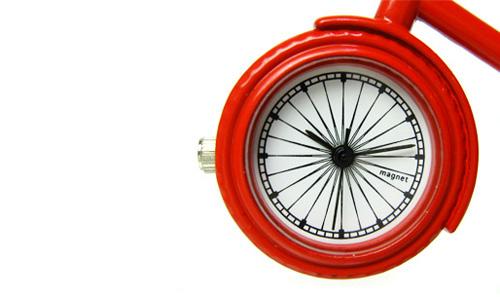 前タイヤが時計