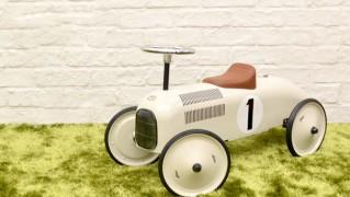 おしゃれな車の乗り物おもちゃ「vilac-racing-car」