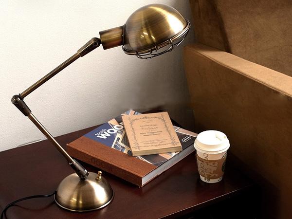 テーブルに置いた雰囲気の画像