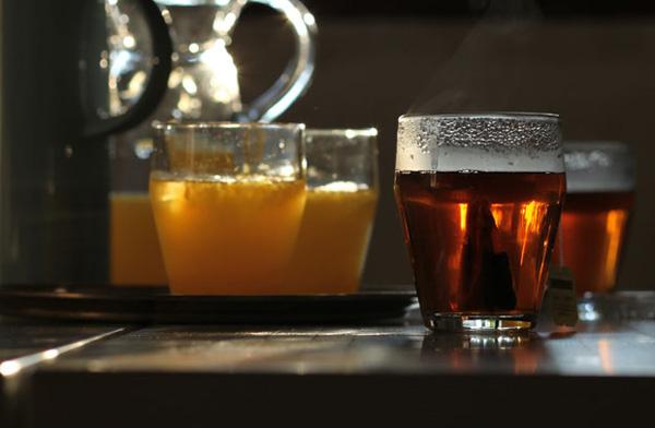 熱いお茶が入っている画像