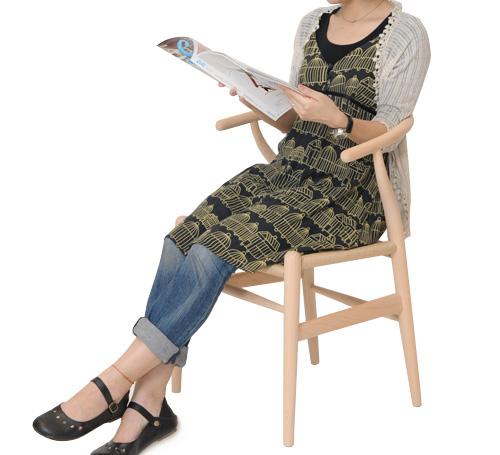 CH24に女性が座っている画像