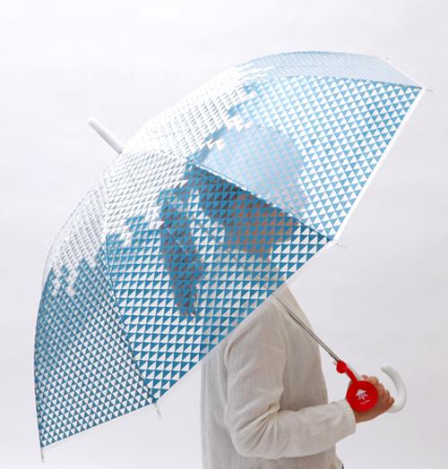 傘を開いた画像