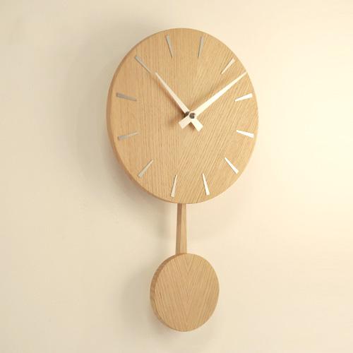 時計を壁に掛けたときの雰囲気の画像