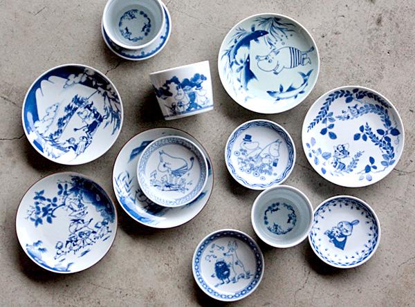 有田焼のムーミンそば猪口とお皿の画像