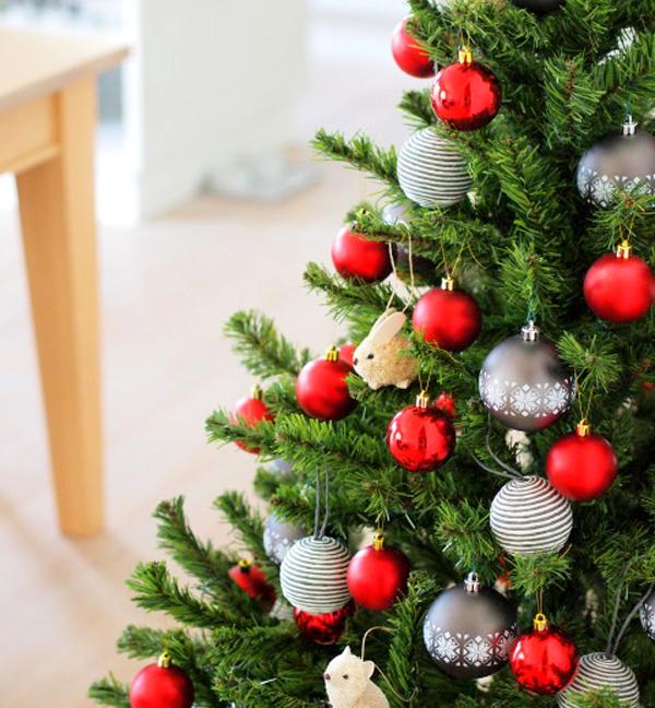 おしゃれでリアルなクリスマスツリー「プラスティフロア グローバルトレード」の画像