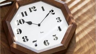 素朴シンプルな八角形のおしゃれ壁かけ時計「レムノス リキクロック)八角の時計」の画像