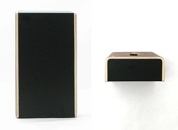 裏側と上側の金属部分の画像