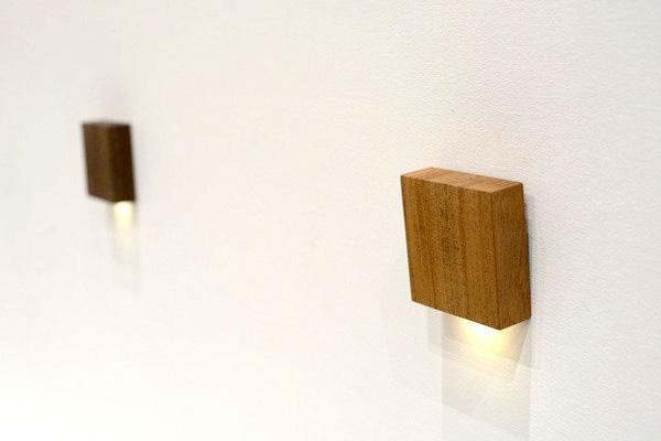 おしゃれな木製センサーライト「CALM(カーム)センサーライト」の画像