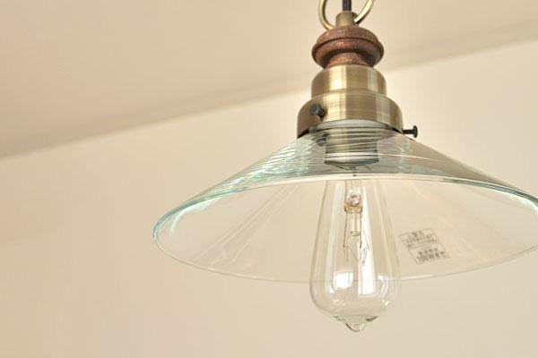 付属のレトロ電球「エジソンバルブ」の画像