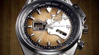 ギター好きのための腕時計「STAR Retro Future Guitar Model(オリエントスター レトロフューチャー ギターモデル)」の画像