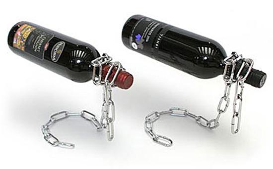 日本のボトルをボトルホルダーに差して並べた画像