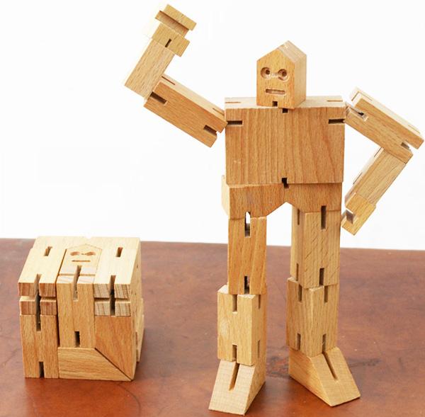 木製パズルロボット「Cubebot(キューボット)」