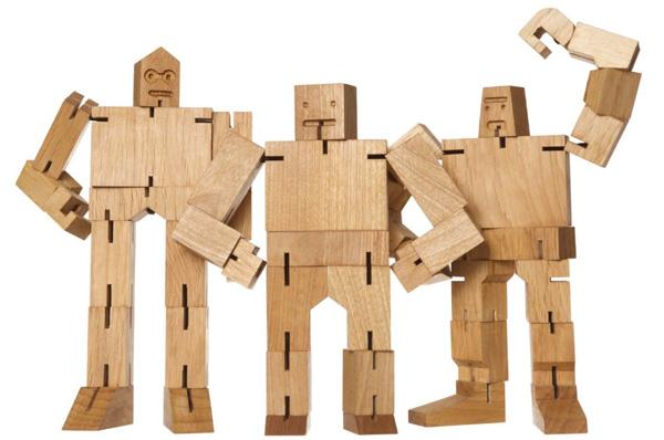 3体のキューボットを並べた画像