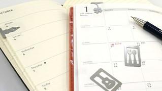 マーキングクリップを手帳のページに挟んで使っている画像