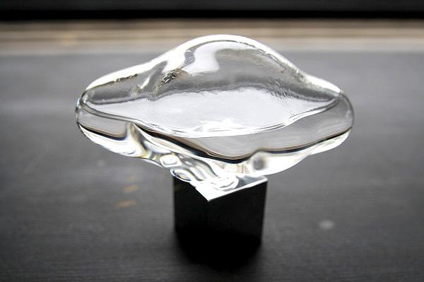 ガラスの内側に水滴が付いている画像