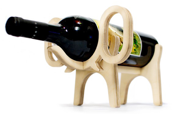 ゾウ型のワインラック