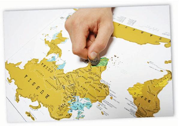 地図をスクラッチしている画像