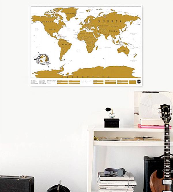 地図ポスターをそのまま壁に貼った画像