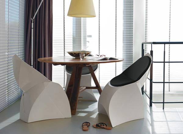 折り紙のような椅子「flux chair(フラックスチェア)」