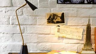 真鍮製レトロ調デスクライト「Gossip LED desk light」の画像