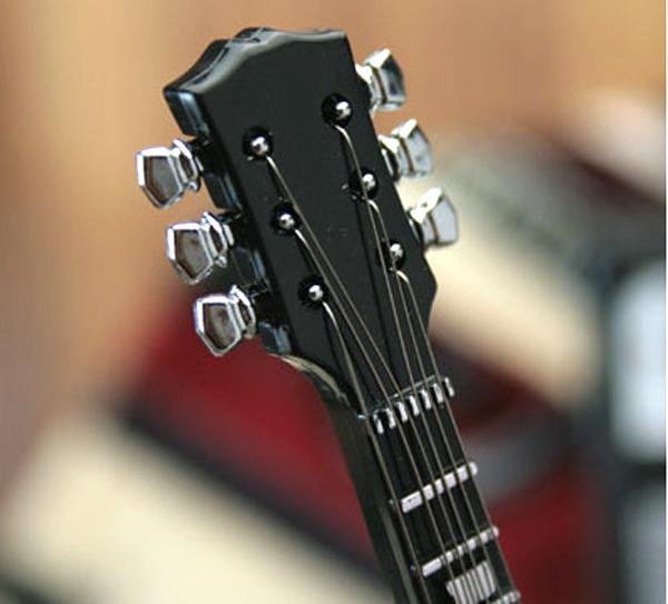 ギターのネック部分の拡大画像