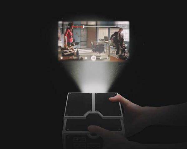 プロジェクターを使っている画像