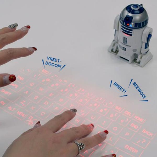 キーボードをタッチしている画像