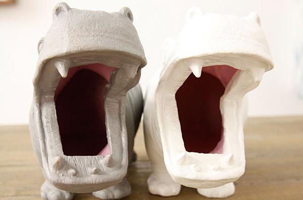 カバの口を正面から見た画像