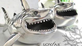 サメ型のおしゃれカードケース「LOYFAR CARD CASE」の画像