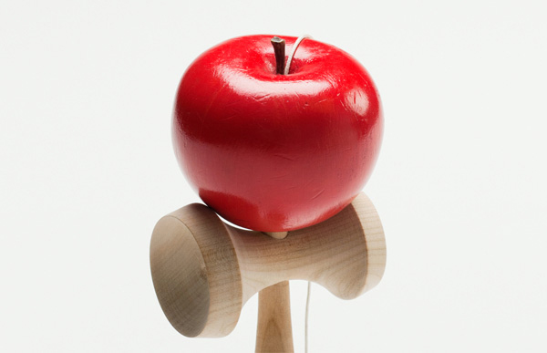 小キズがついたリンゴ玉