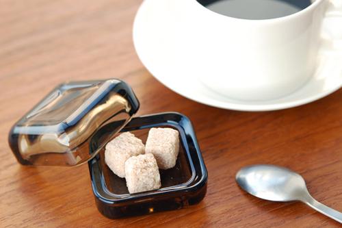 iittala vitriiniに砂糖を入れた画像