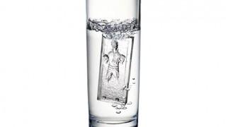 ハン・ソロ カーボナイトが再現できる製氷皿の画像