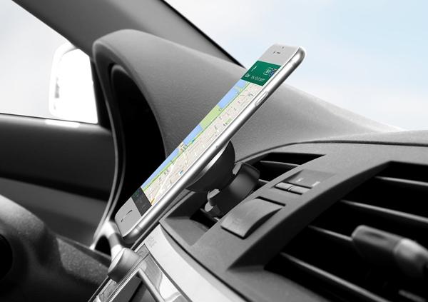 スマートなスマホ車載ホルダー「iOttie iTap」の画像