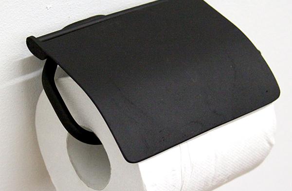 ブラックのアイアントイレットペーパーホルダーの画像