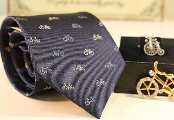 西陣製自転車ネクタイの画像