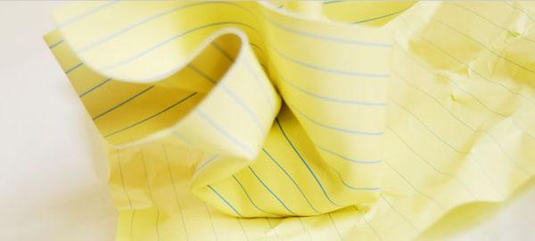 イエローノートデザインのペーパーウェイトの画像
