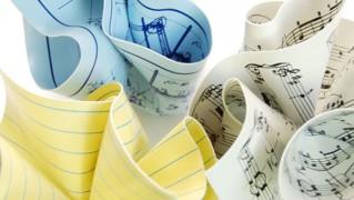 3デザインのMoMA Paper Weightを並べた画像