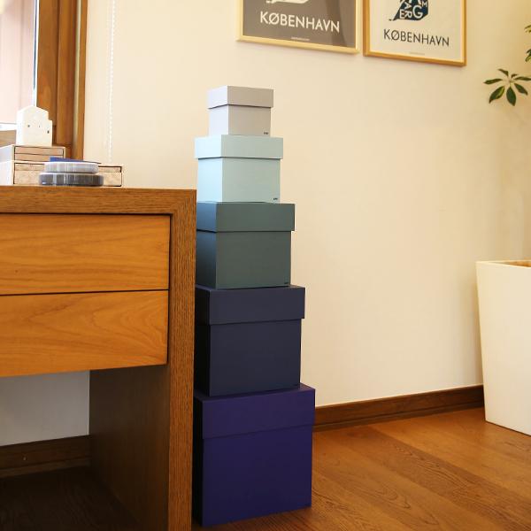 ブルー系のBOX BOXを並べた画像