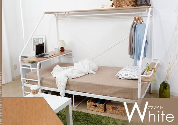 ホワイトのベッドの画像